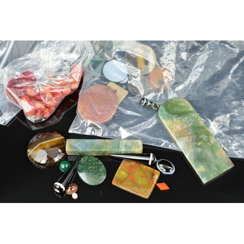 59 - A SELECTION OF AGATE PIECES, to include banded agate cabochons, banded agate drops, moss agate panel...