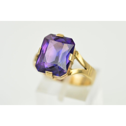 48 - A LARGE SYNTHETIC COLOUR CHANGE SAPPHIRE RING, emerald cut measuring approximately 13.65mm x 10.6mm,...