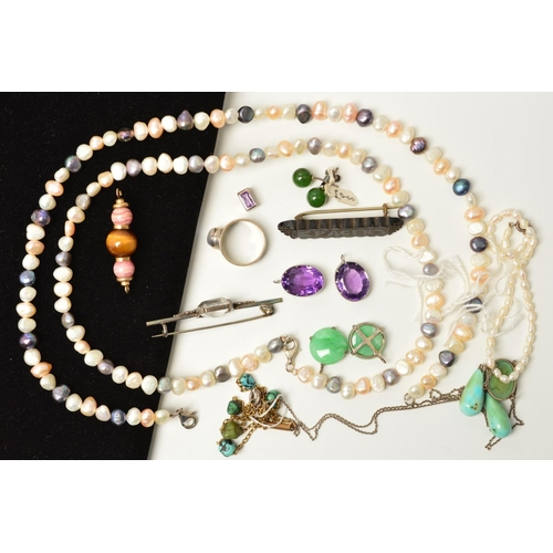 43 - A SMALL SELECTION OF GEM JEWELLERY, to include a late Victorian jet brooch carved with the word 'Pac...