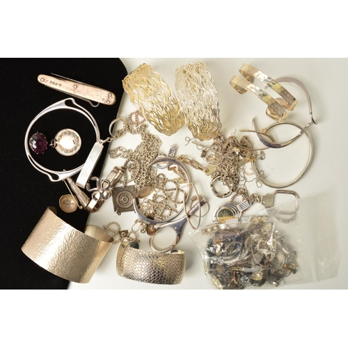 44 - A SELECTION OF SILVER AND WHITE METAL JEWELLERY, to include bangles, bracelets, necklaces, a posy ho...
