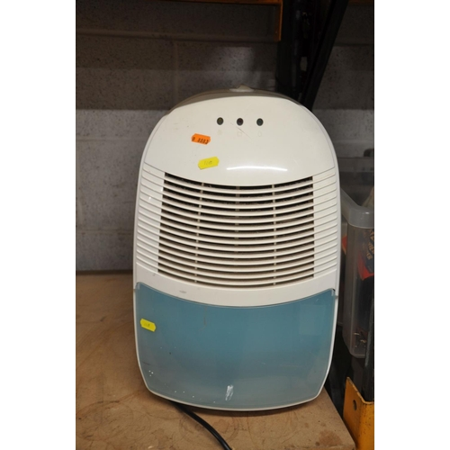 1118 - A BUSH WMNS714W WASHING MACHINE and a GET Portable Dehumidifier (both PAT pass and working)...