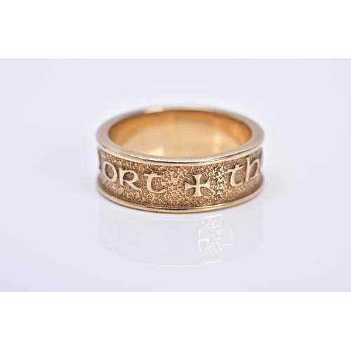 24 - A 9CT GOLD WIDE BAND, with embossed Gaelic  verse 'tha Gaol agam ort,' hallmarked 9ct gold Edinburgh...