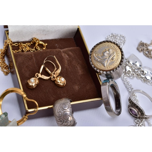 28 - A SELECTION OF JEWELLERY, to include a 9ct white gold half hoop ring designed with three square cut ...