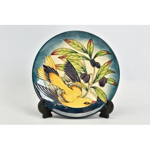 422 - A BOXED MOORCROFT POTTERY 2003 YEAR PLATE, 'Golden Oriole' pattern, impressed backstamp and painted ...