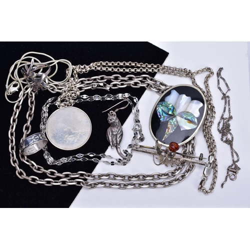 5 - A SELECTION OF JEWELLERY, to include a silver circular pendant, hallmarked London, suspended from a ...