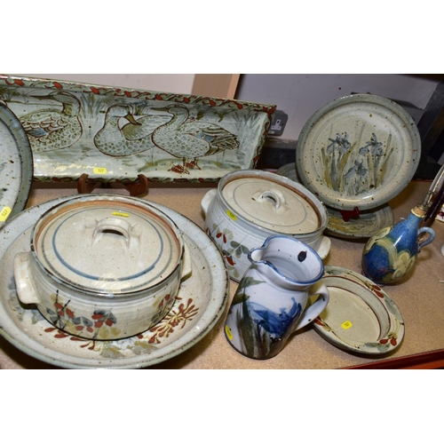 527 - ISABEL K-J DENYER (BRITISH 1947),  a collection of stoneware studio pottery to include casserole dis...