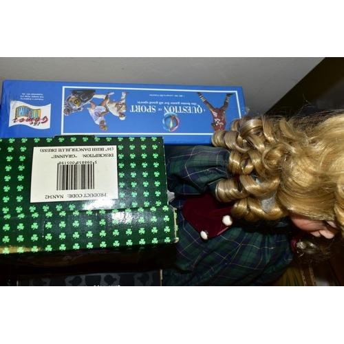 541 - A QUANTITY OF MODERN COLLECTORS DOLLS, to include Leonardo 'Nicole' and 'Veronica', boxed Allcraft E...