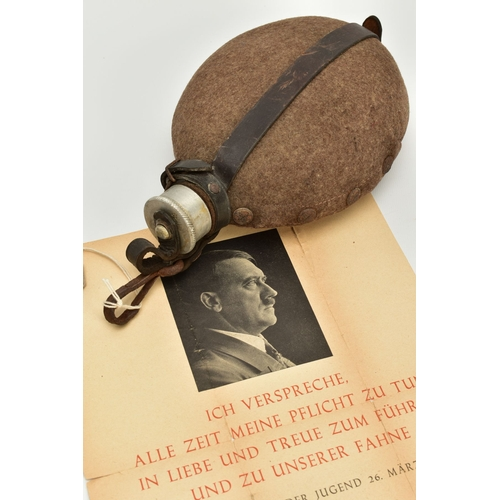156 - A GERMAN WWII ERA 3RD REICH SOLDIERS WATER BOTTLE COMPLETE WITH LEATHER STRAPS AND FELT COVER (CUP I...