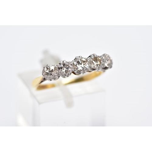 28 - AN EARLY TO MID TWENTIETH CENTURY FIVE STONE DIAMOND RING, estimated old Swiss cut diamond, weight 0...