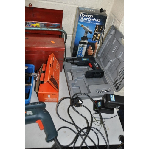 1091 - A COLLECTION OF TOOLS AND TOOLBOXES including a Black and Decker drill , a Craft cordless drill (bot...