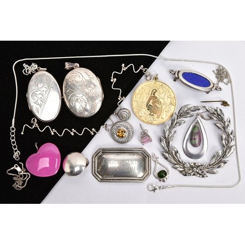 48 - A SELECTION OF SILVER AND WHITE METAL JEWELLERY, to include a Danish silver wreath style brooch, sig...