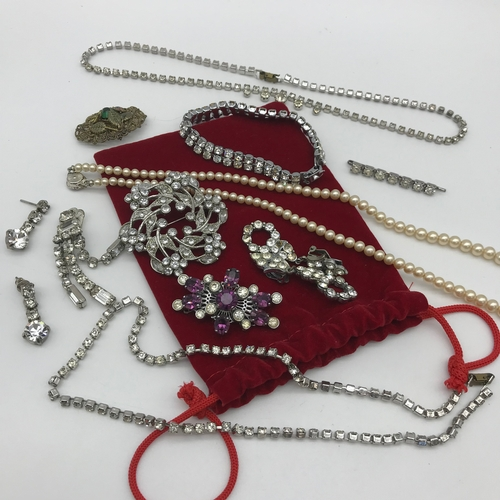 34 - A Lot of vintage diamonte jewellery, Pearl necklace & Brooches....