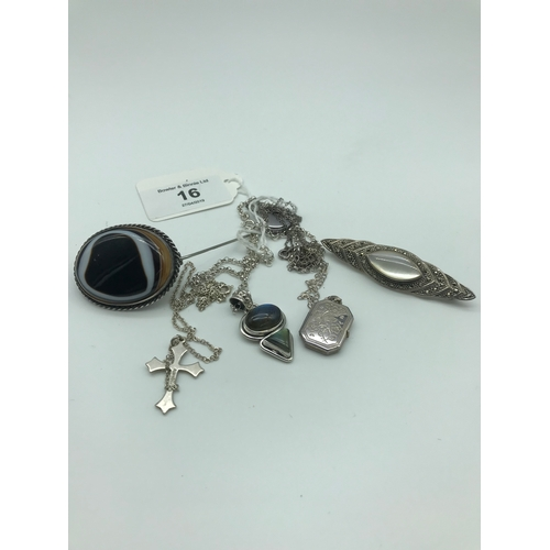 16 - A Lot of silver jewellery which includes silver and agate stone brooch, Silver, Marquisette & mother...