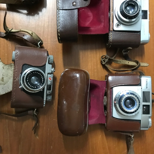 39 - A Lot of 5 Vintage compact 35mm cameras to include Silette, ilford, Zeiss icon, Minolta & Halina....