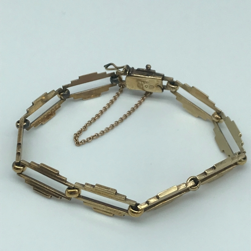 4 - An unusual 9ct gold ladies bracelet, Maker S & P. weighs 10.57grams...
