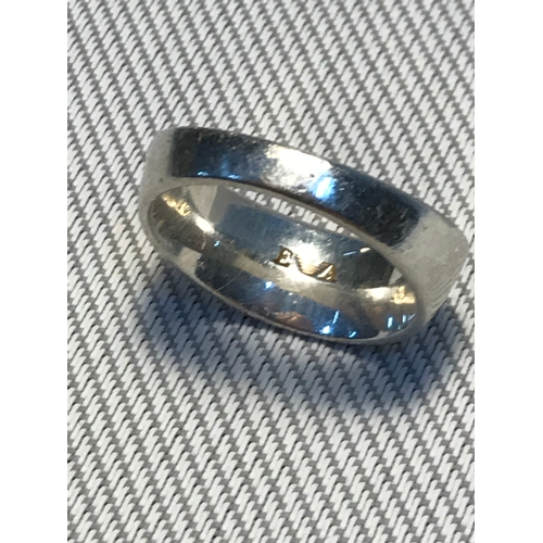 18 - A Vintage Emporio Armani 925 silver ladies band ring, Ring size 0....