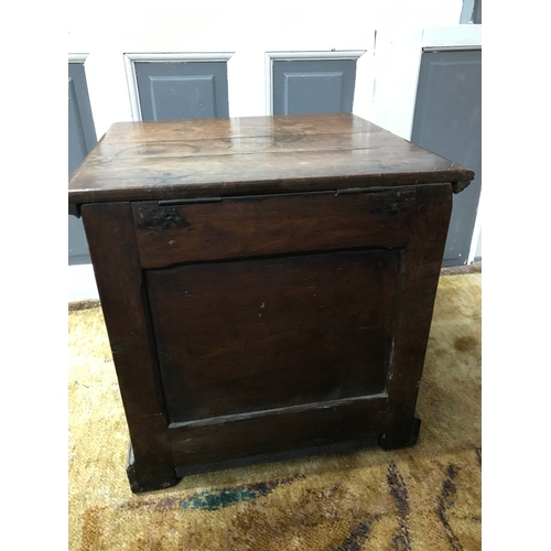 35A - A Late 17th century wine cooler chest, missing liner, Measures 45x45x42.5cm...
