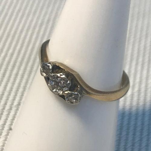 84 - A 9ct gold, palladium and diamond stone ring, ring size K. Weighs 1.66grams...