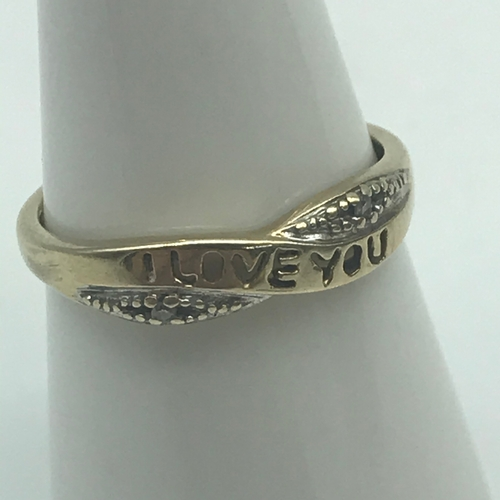 35 - A Ladies 9ct gold and diamond