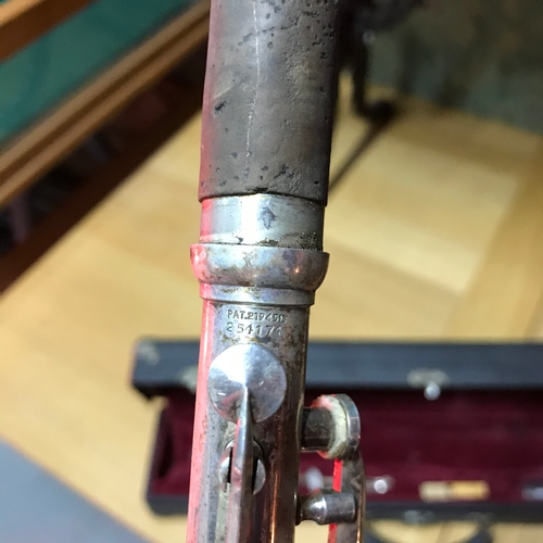 136A - A Vintage Silver King Clarinet with fitted travel case. Pat.2194513 - 254174....