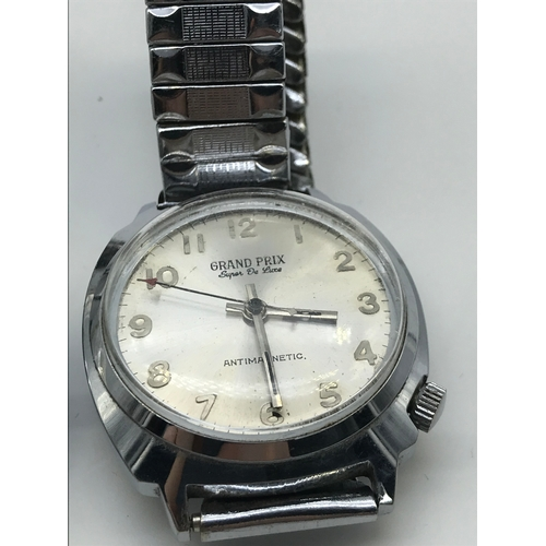 30J - A Lot of two vintage gents watches which includes Delma of Switzerland Automatic 25 jewels Incabloc ...
