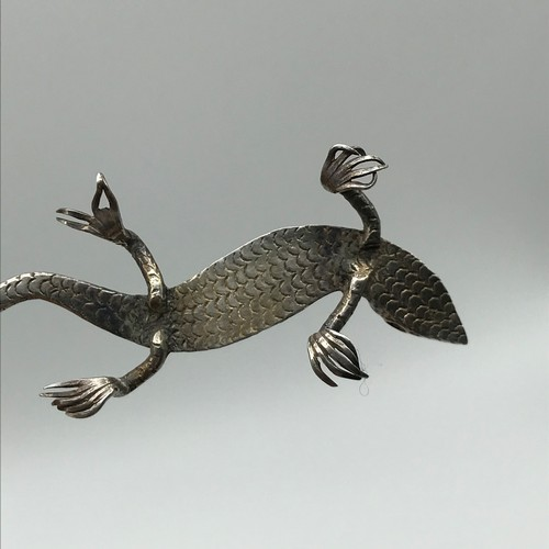 9 - Antique silver lizard sculpture detailed with ruby eye. [length 7cm]...