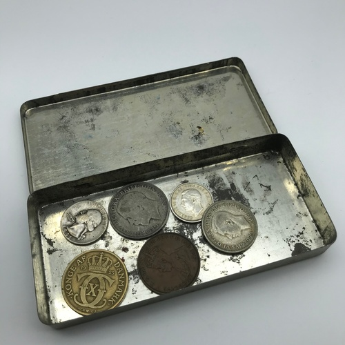 4J - A Lot of old coins to include 1946 Australian Florin, 1941 Liberty Quarter Dollar, 1925 Half Crown, ...