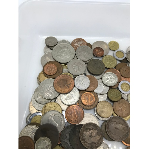15J - A Tub containing a quantity of mixed world coins....