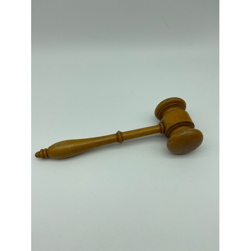 17 - Antique hand turned boxwood gavel. Measures 17cm in length...