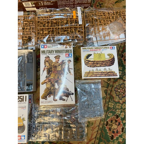 237A - A Lot of four boxed military model sets. Tamiya 1/35 scale sand bag set, Tamiya 1/35 scale ww1 Briti...