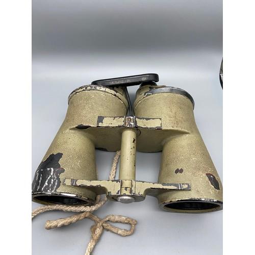 25 - WW2 German Kriegsmarine BLC 8×60 Zeiss – U BOAT COMMANDER BINOCULARS – RARE. Serial Number ; 50030 [...