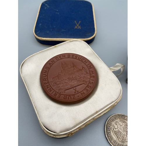 52 - Meissen terracotta plaque with box, 1936 German coin, Silver coin ring and a Wren painted on a white...