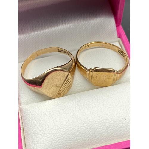 6J - Two 9ct gold signet rings [Ring sizes P & M] [5 Grams]...