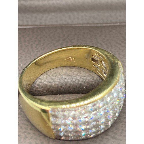 42J - A Beautiful example of a ladies 18ct gold pave set diamond ring. [Approx 2cts] [Ring size P] [Weighs...