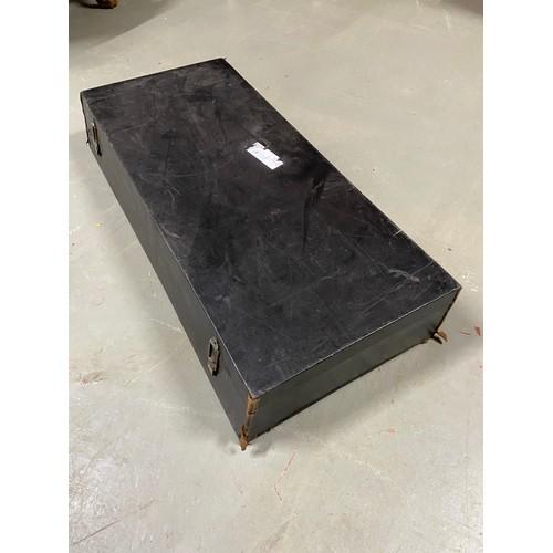 466 - A Vintage car suit case....