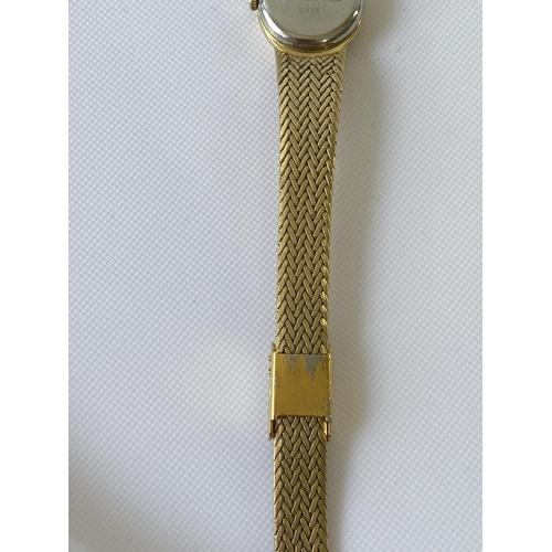 11J - Raymond Weil Geneve quartz ladies gold plated watch...
