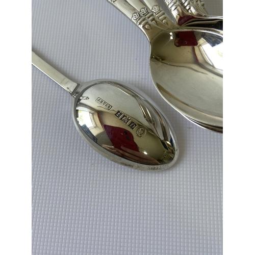 22J - A set of 9 Birmingham silver teaspoons [J.B Chatterley & Sons Ltd] [100.01g]