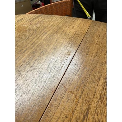 172 - McIntosh table & 4 chairs [height,74cm, diameter,122cm] [chair height, 72cm]