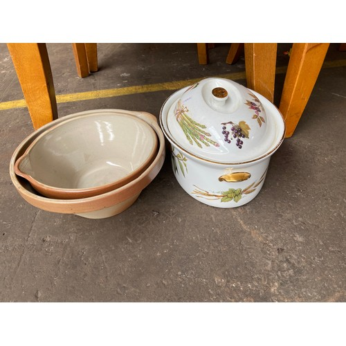 16 - A Box of odds to include Worcester lidded tureen, cooking bowls and various glass vases.