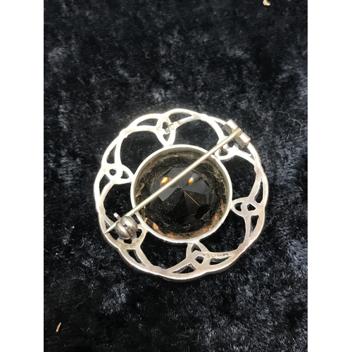 10a - Iona silver brooch fully silver hall marked large stone brooch ....