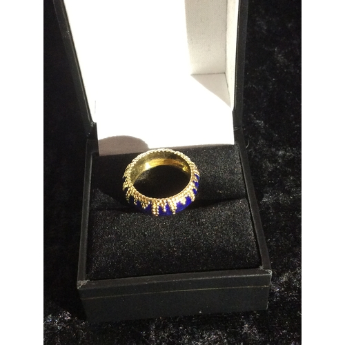 25 - 18ct gold and enamel pinky ring exeptional quality....