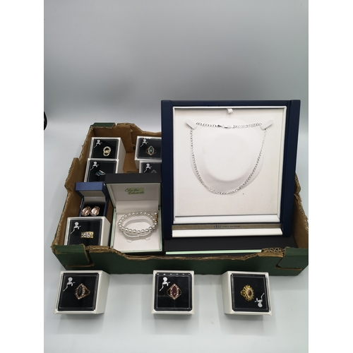 23 - Lot of jewellery to include silver chain all new and boxed....