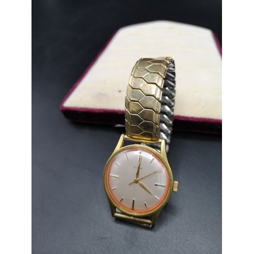 10a - Elgin gents wrist watch with expanding bracelet.  In working order.