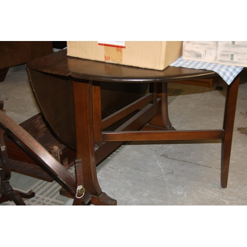 10 - Ercol Oval Sutherland Dining Table...
