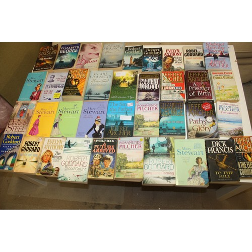 47 - Approx 35 Softback Fiction Books: Evelyn Anthony, Dick Francis, Jeffrey Archer, Clare Francis, etc...