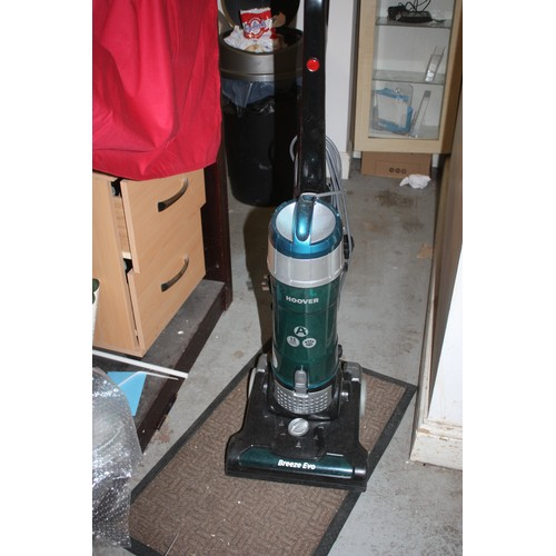 45 - Hoover Breeze Evo Upright Vacuum Cleaner and Accesories...