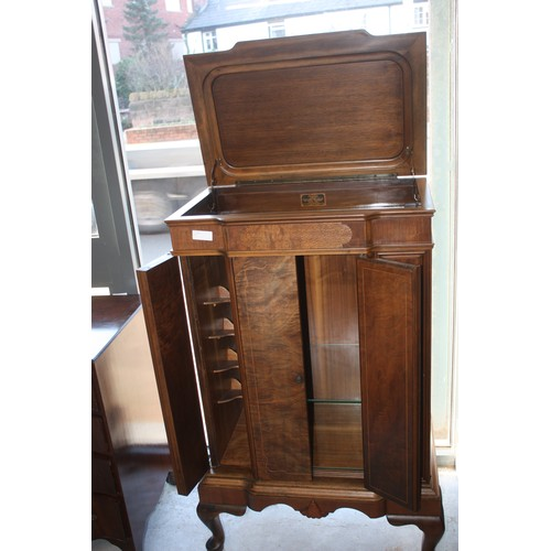 55 - Reproduction Drinks Cabinet - 27