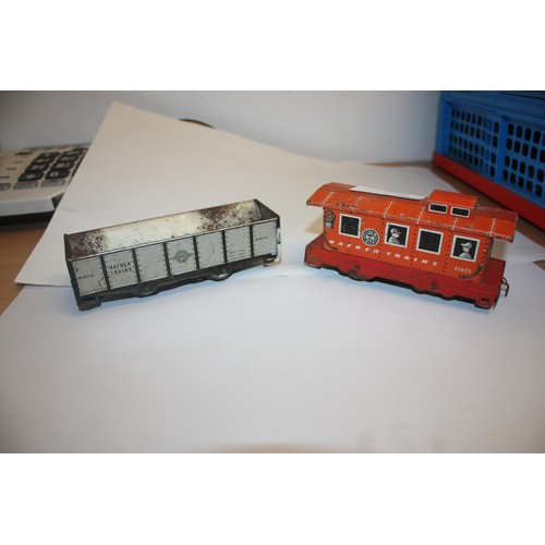 58 - Hafner Trains O Gauge Caboose Ref 41021 and Streamliner Freight Wagon