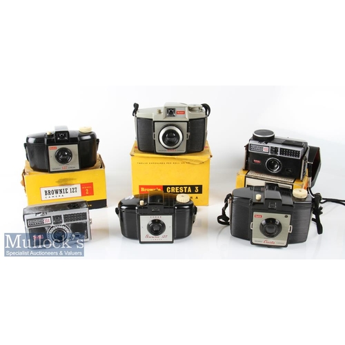 44 - Selection of Vintage Kodak cameras to include Instamatic 304, Instamatic 400 Brownie 127 Model 2 wit...