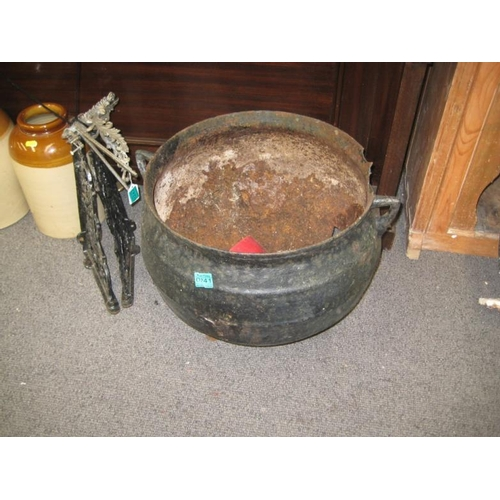 241 - Victorian Cast Iron Cooking Pot...